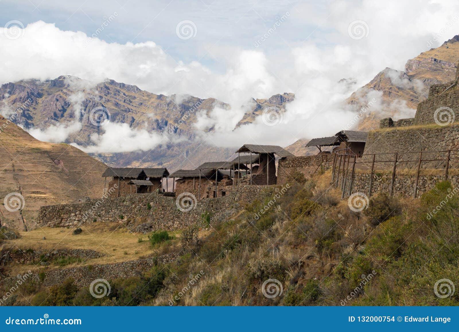 Взгляды ландшафта в священной долине Перу