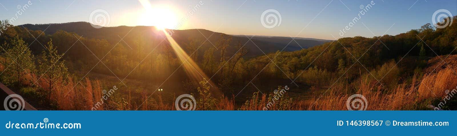 Взгляд восхода солнца Арканзаса сценарный