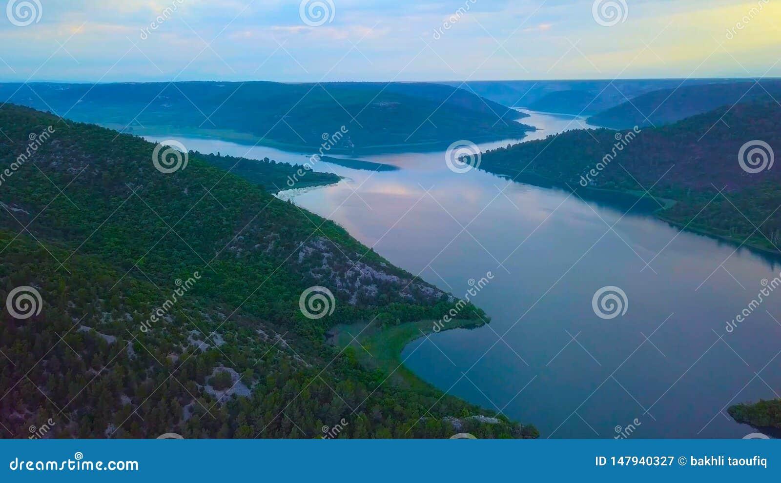 Взгляд глаза птицы Хорватии, Европы; Красивая природа острова Mljet в Хорватии
