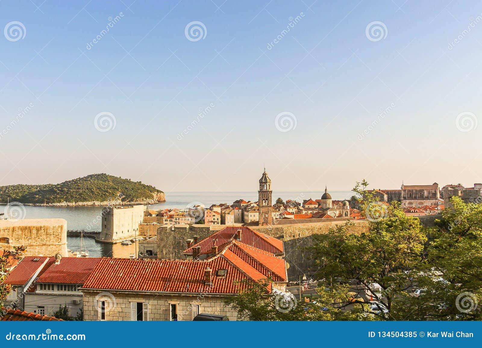 Взгляд крыши старого городка Дубровника