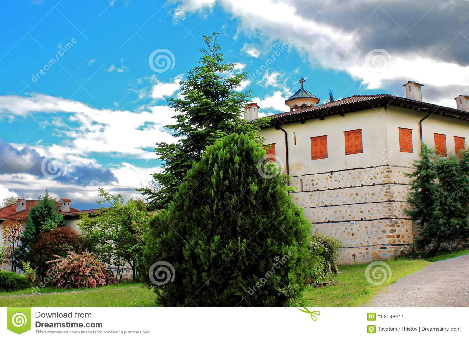 Взгляд монастыря Rozhen