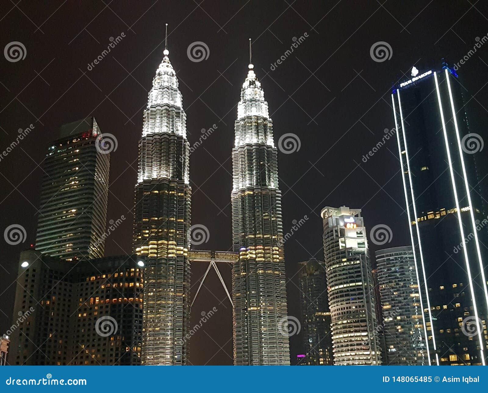 Взгляд ночи Куалаа-Лумпур