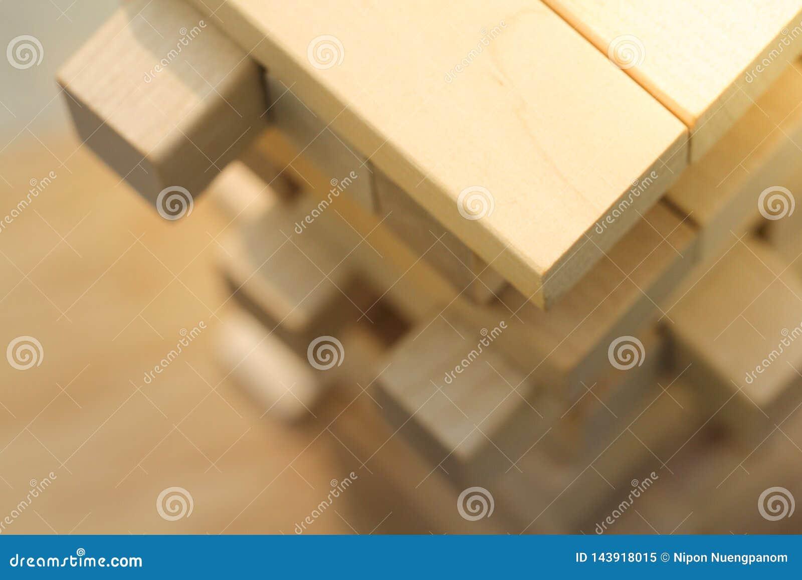 Взгляд сверху деревянной игры башни блока