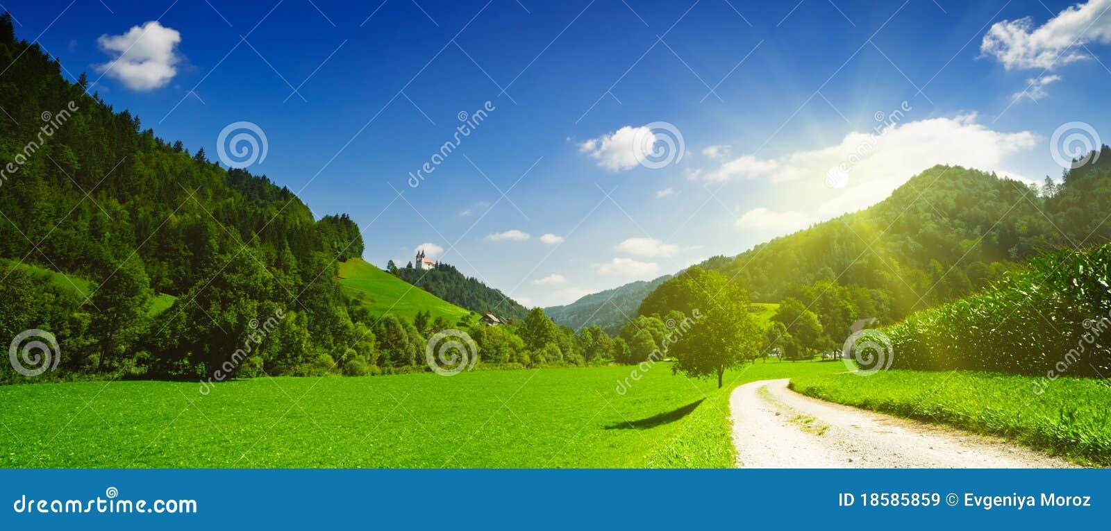взгляд сельской местности идилличный панорамный