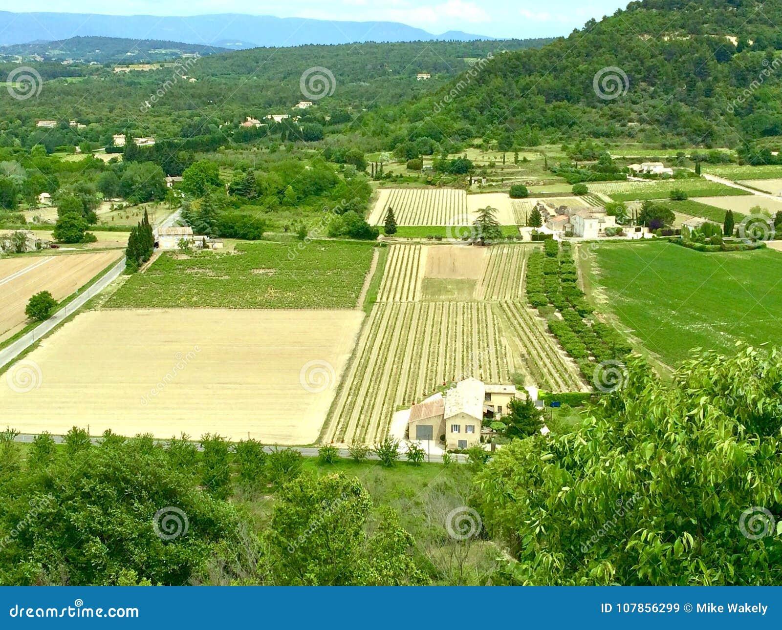 Взгляд стороны страны Provençal