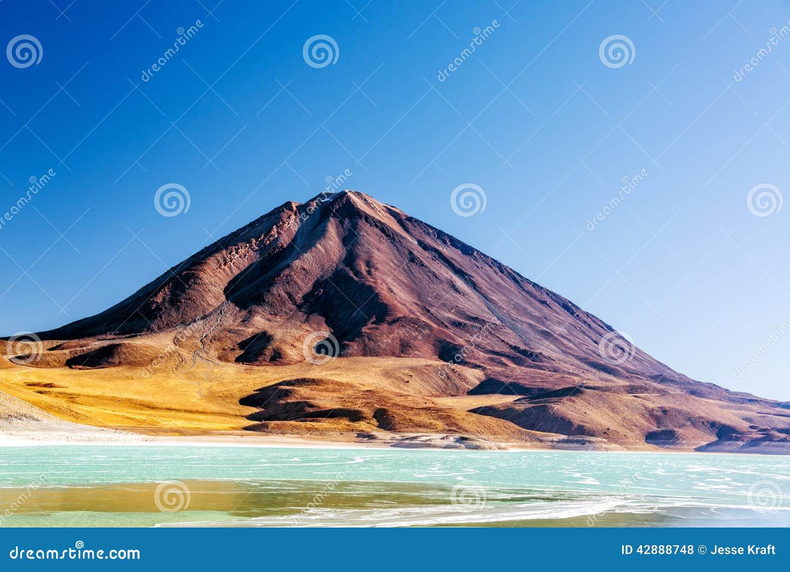 Взгляд вулкана Licancabur