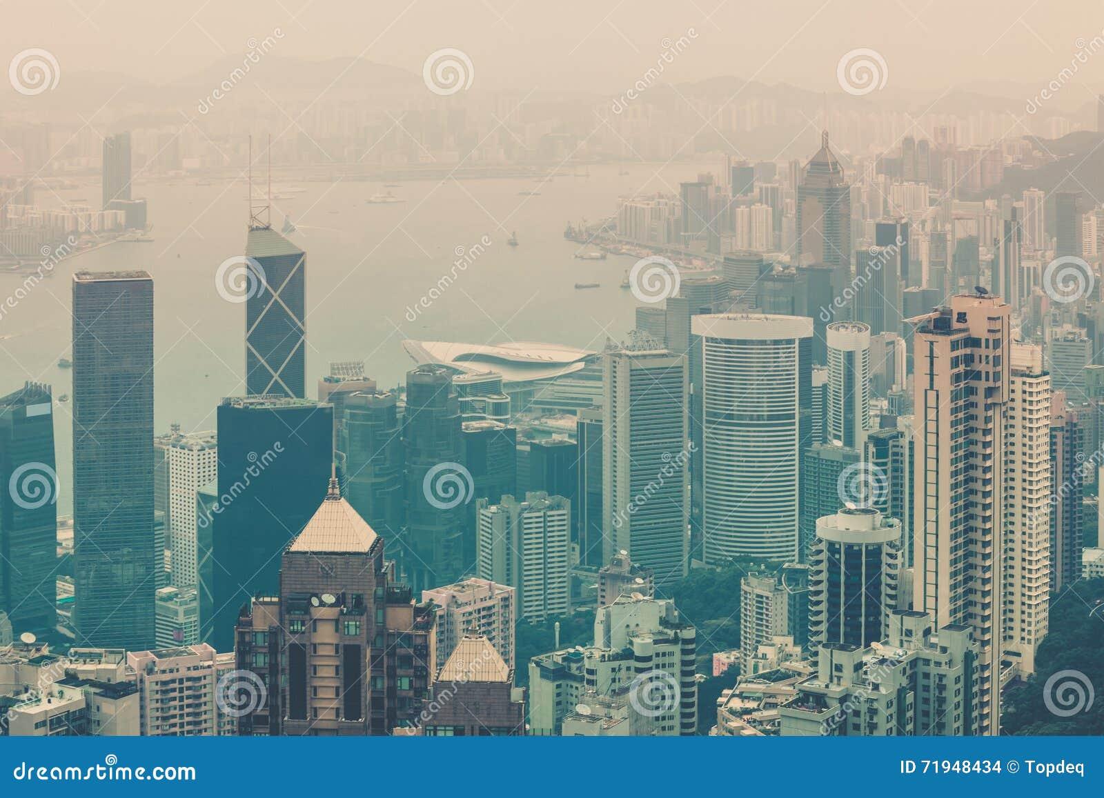 Взгляд Гонконга городской от пика Виктории