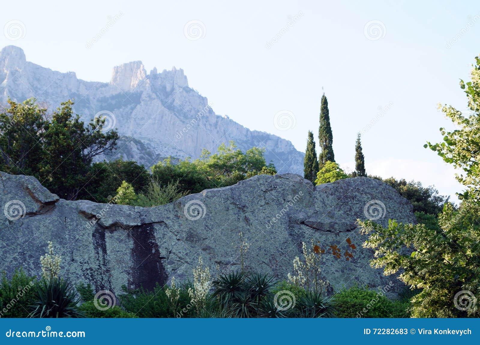 Download Взгляд гор доломита стоковое изображение. изображение насчитывающей серо - 72282683