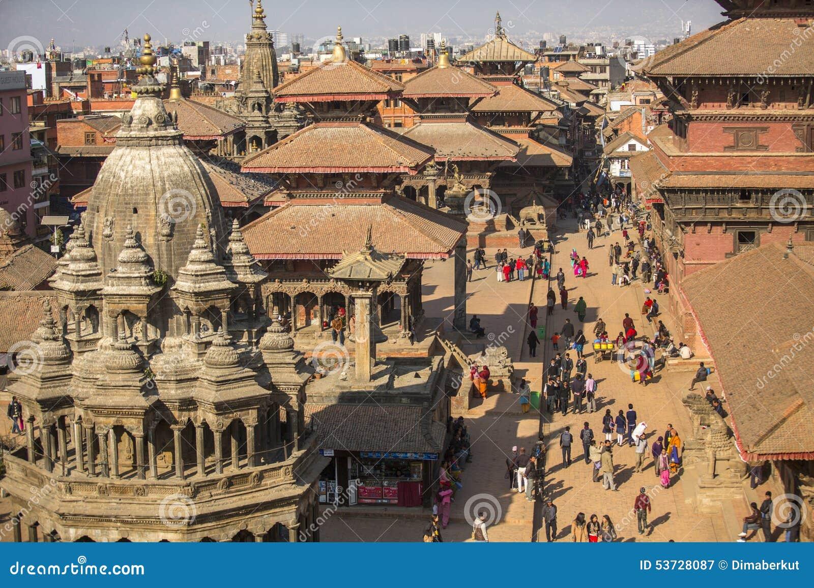 Взгляд квадрата Patan Durbar Оно один из 3 королевских городов в Катманду, очень популярном пятне для туристов