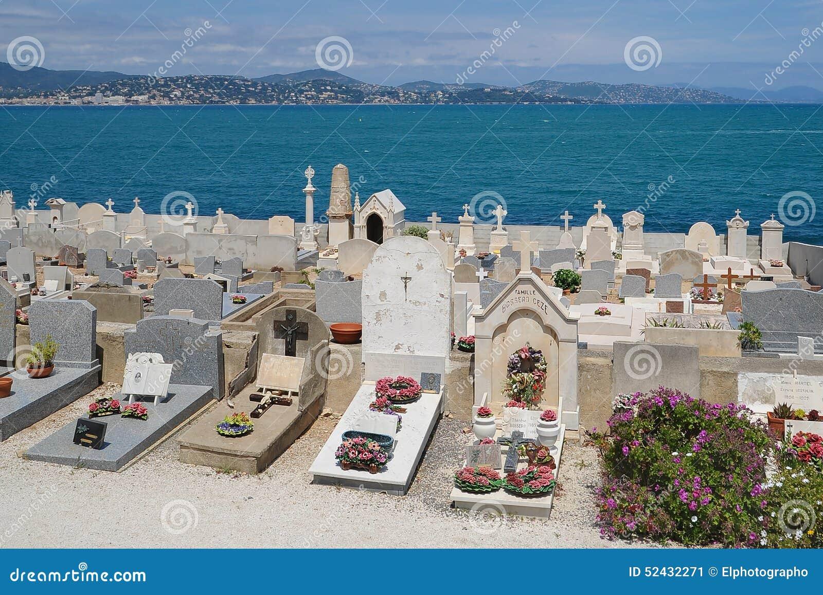 Взгляд кладбища в St Tropez, Франции