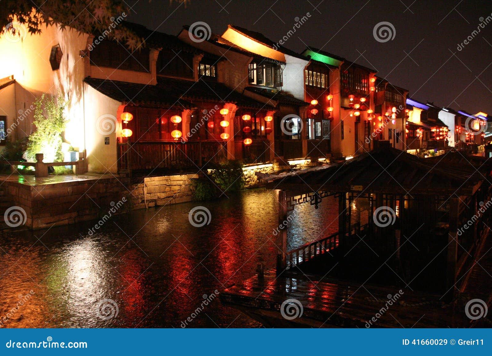 Взгляд ночи городка Сучжоу старого, Китая