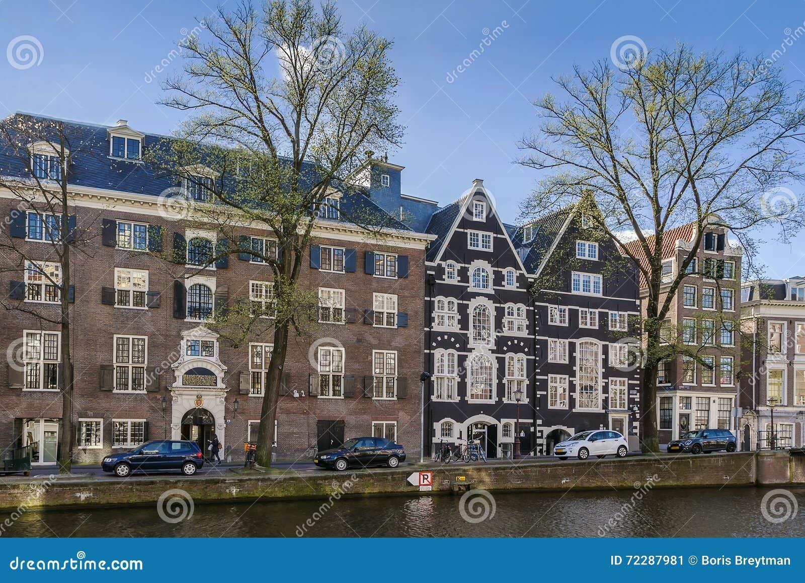 Download Взгляд обваловки Амстердама, Нидерландов Редакционное Фото - изображение насчитывающей голландия, прописно: 72287981