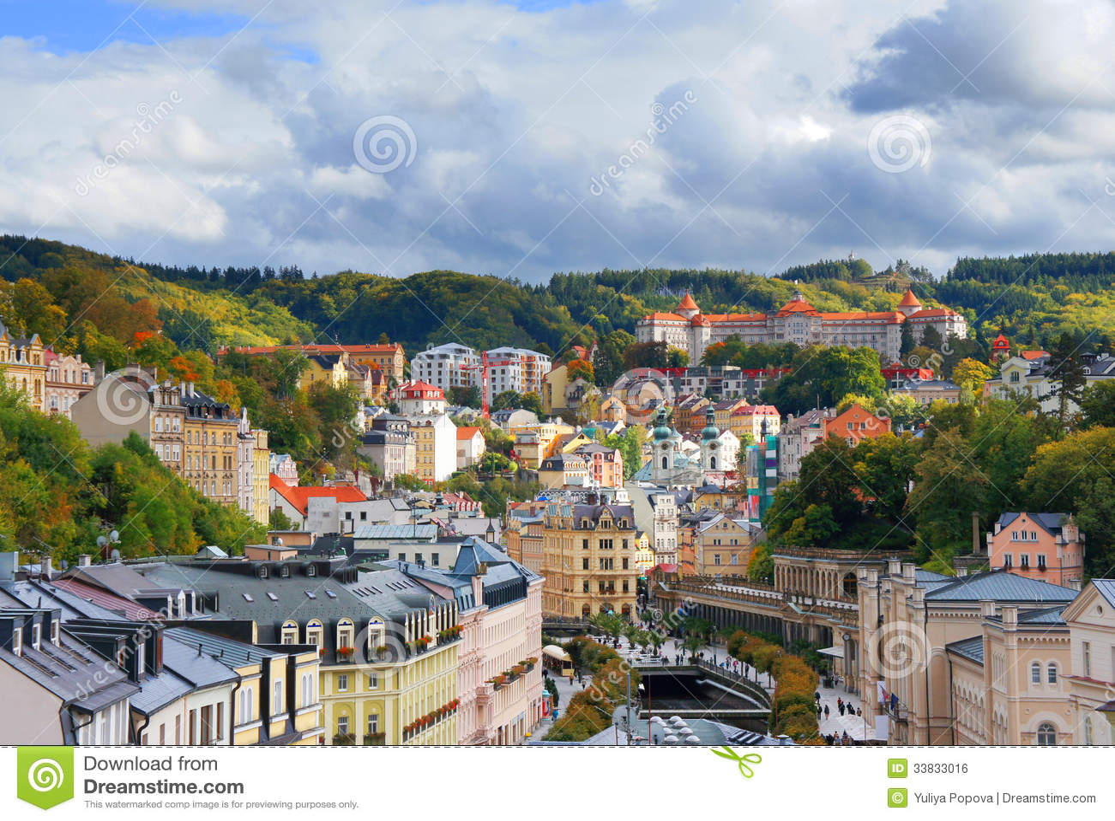 Взгляд осени Karlovy меняет (Karlsbad)