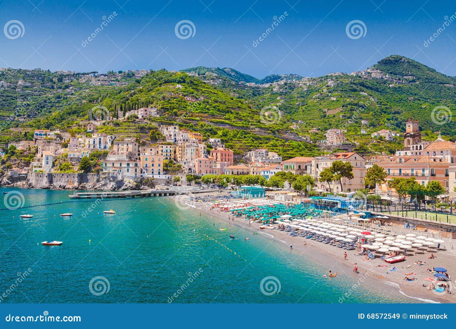 Взгляд открытки Minori, побережья Амальфи, кампании, Италии