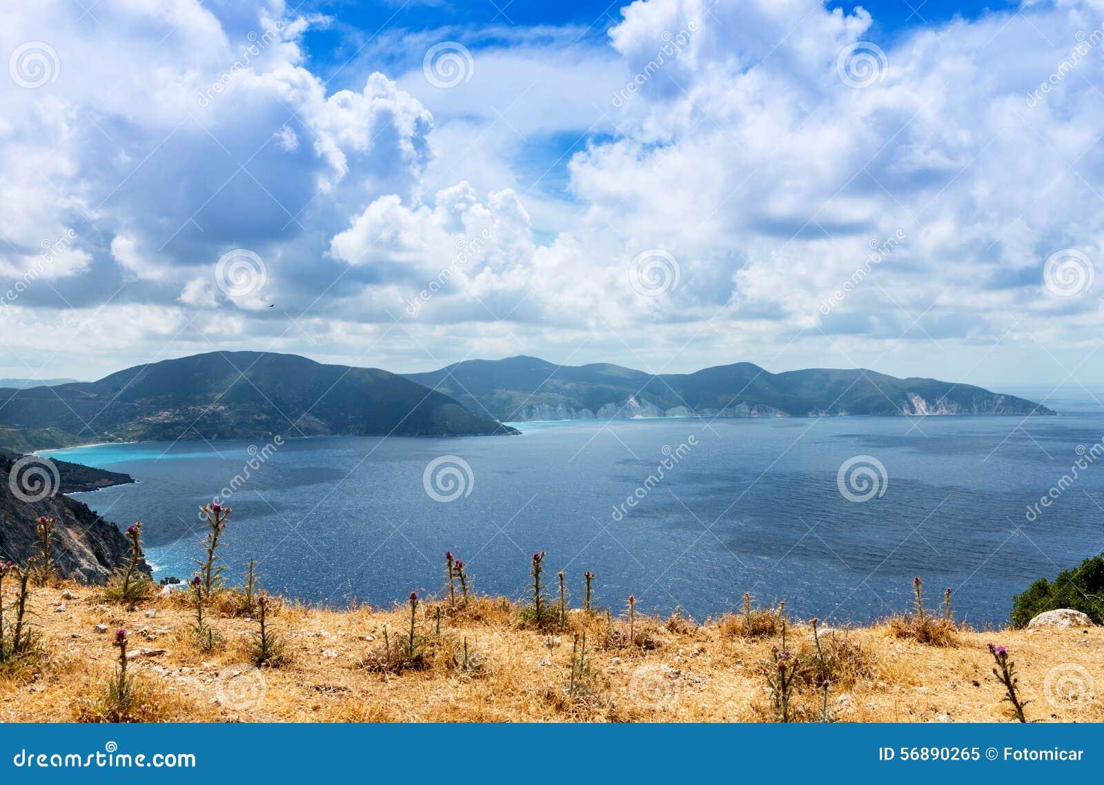 Взгляд от пляжа Myrtos