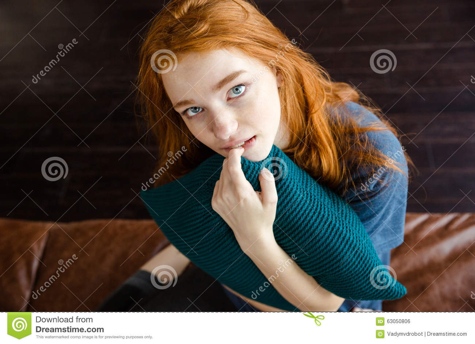 Девушка с верху на камеру фото 666-631