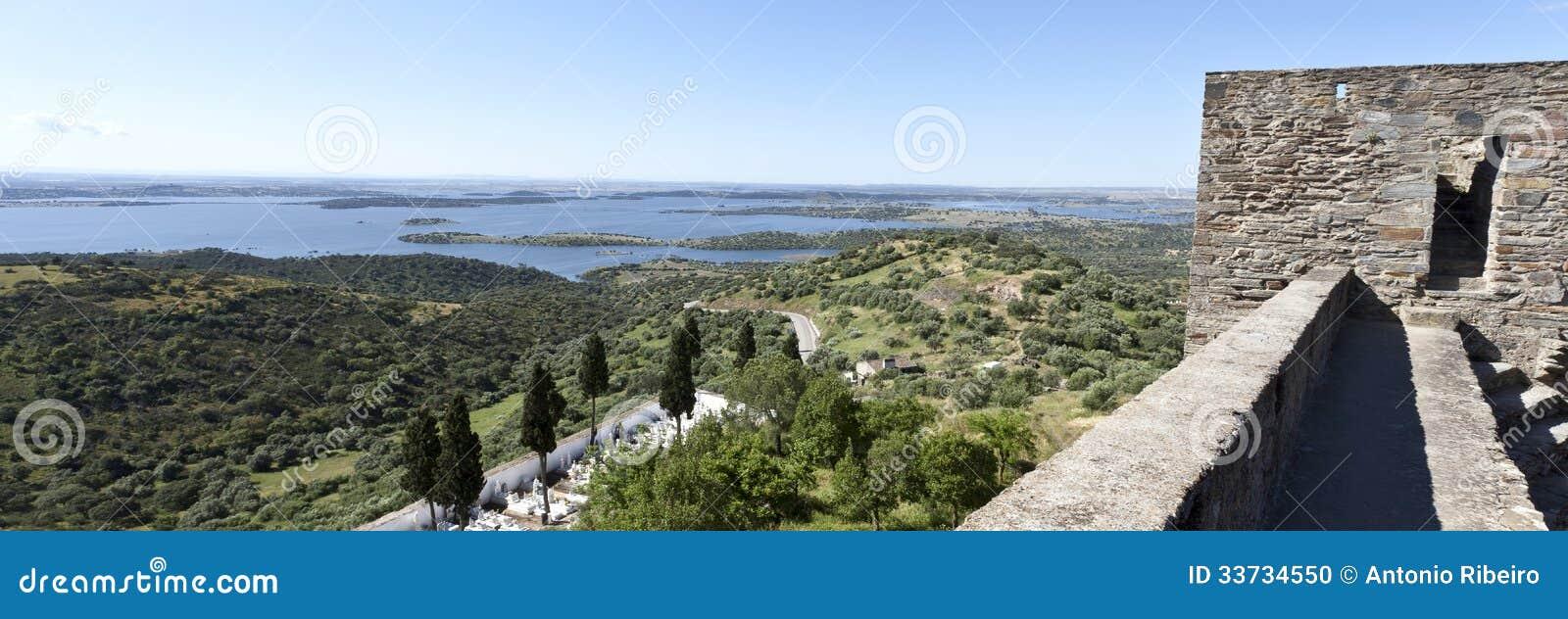 Взгляды от замка Monsaraz