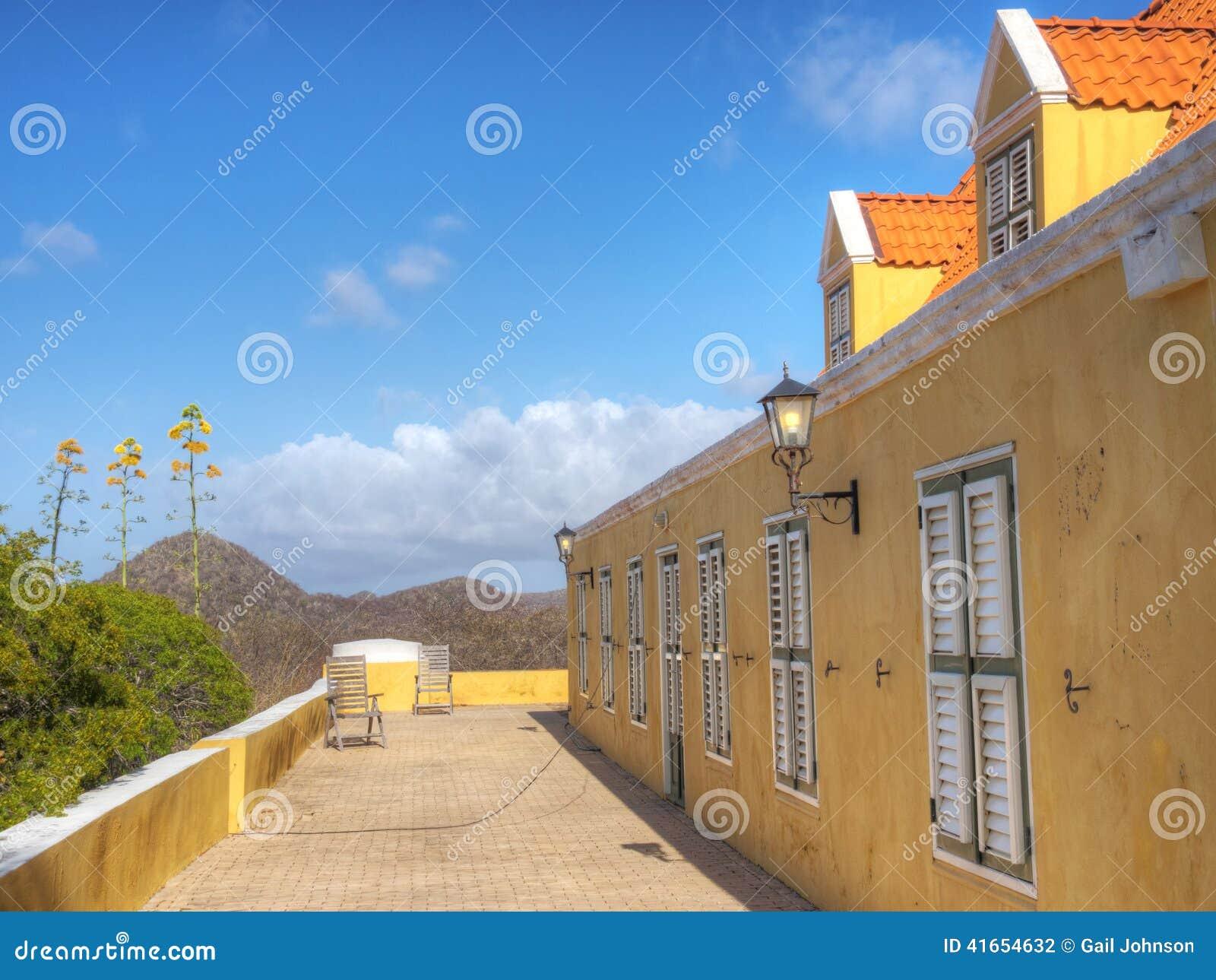 Взгляды старого Landhuis