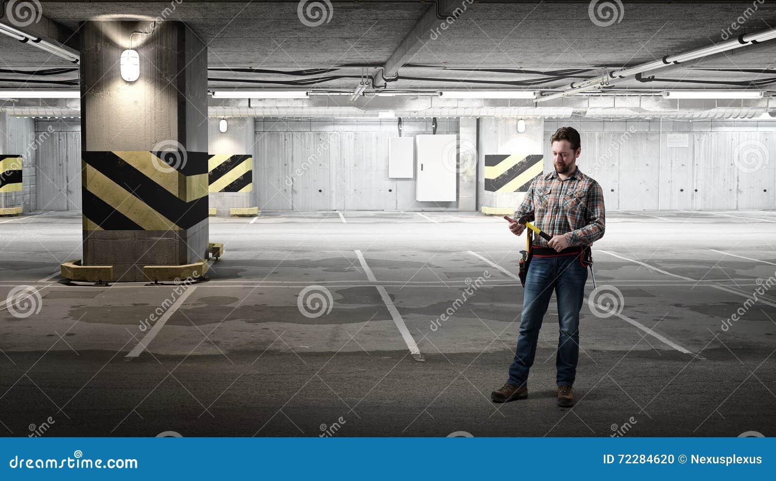 Download Взрослый человек инженера стоковое фото. изображение насчитывающей индустрия - 72284620