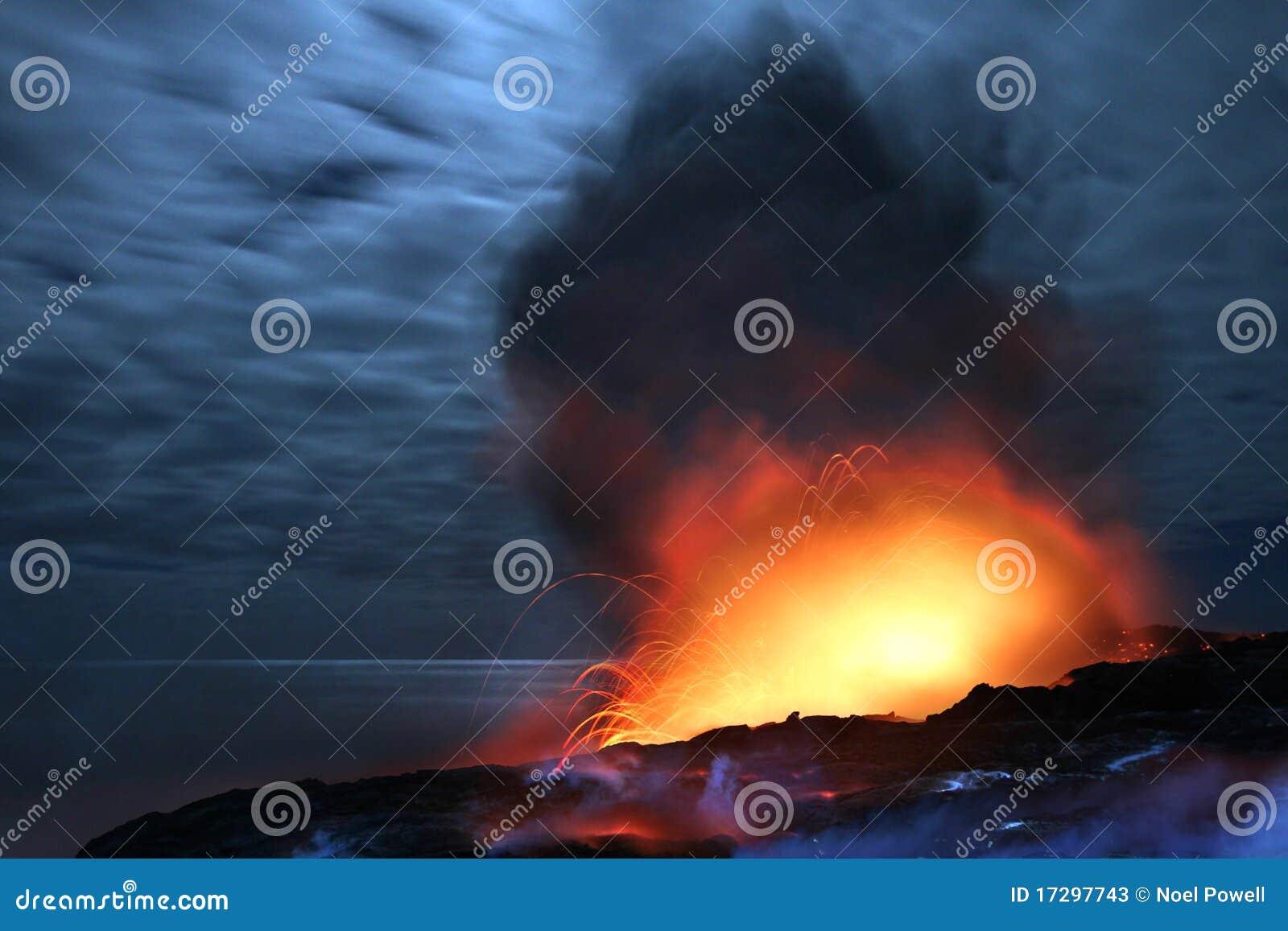 взрывая ноча лавы