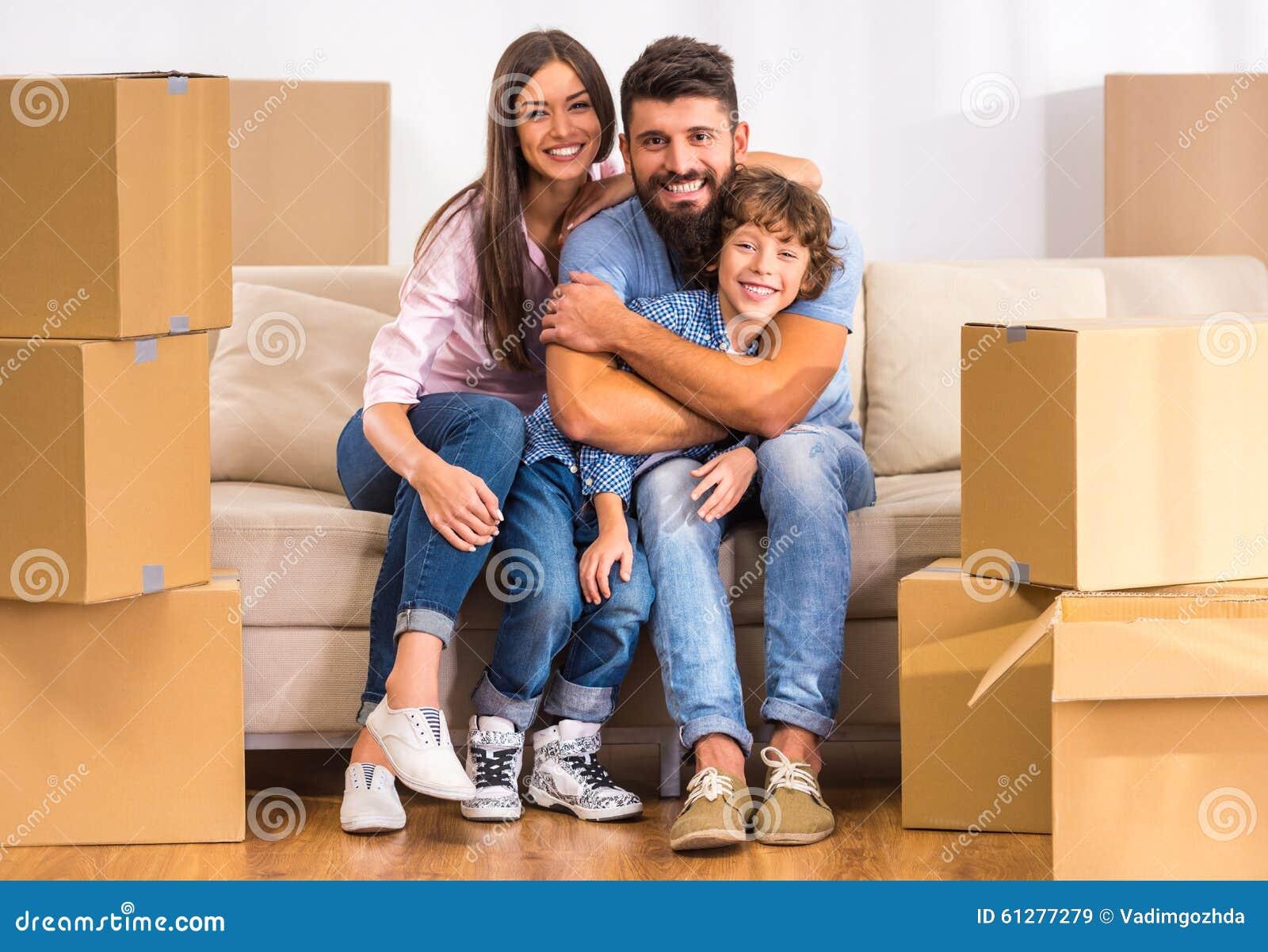 двигать родного дома
