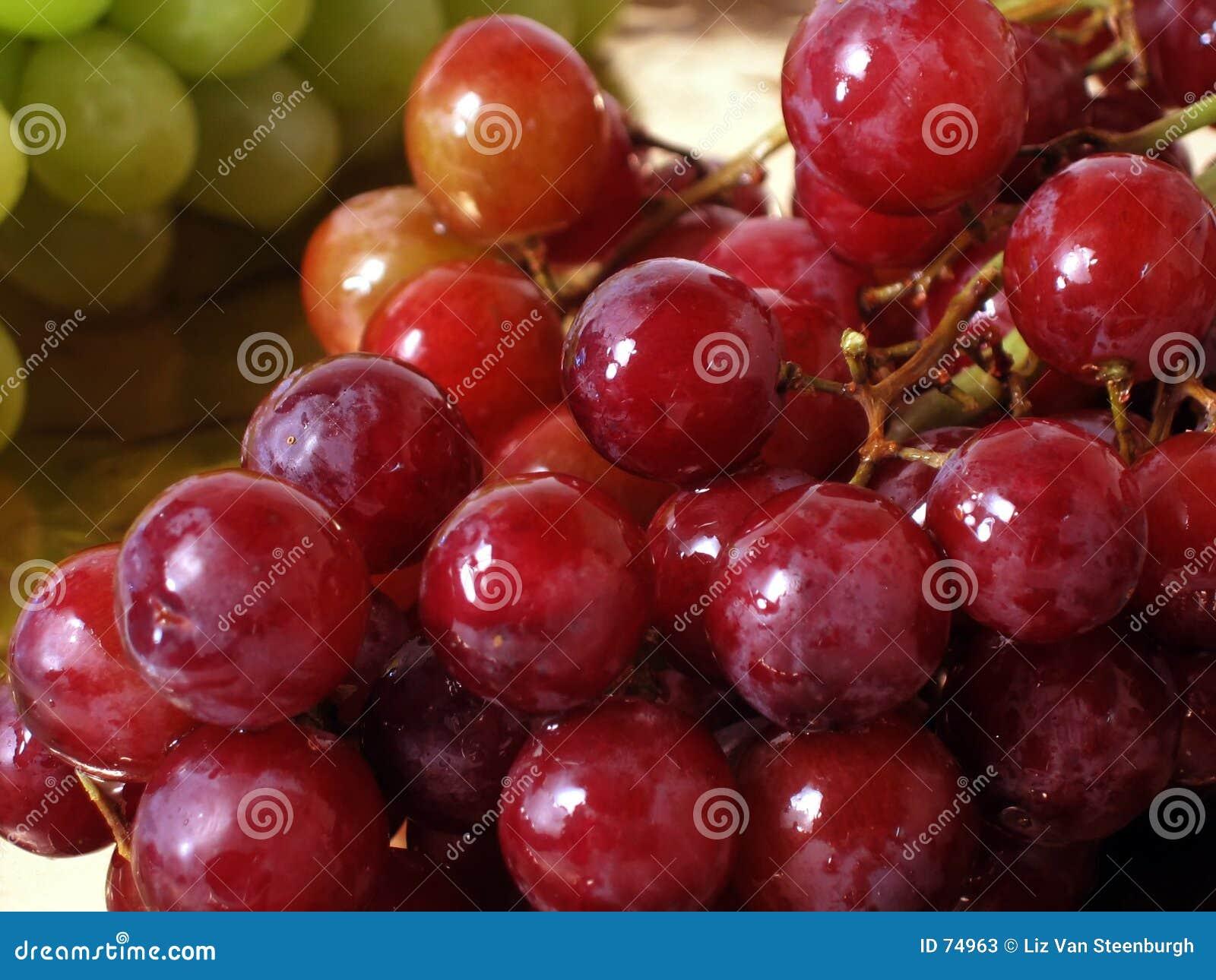 виноградины красные