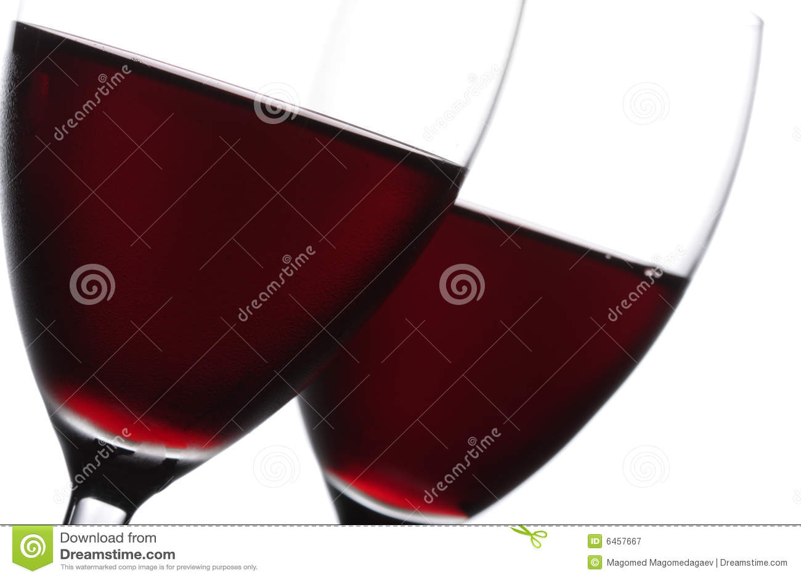 вино красного цвета 2 крупного плана стеклянное