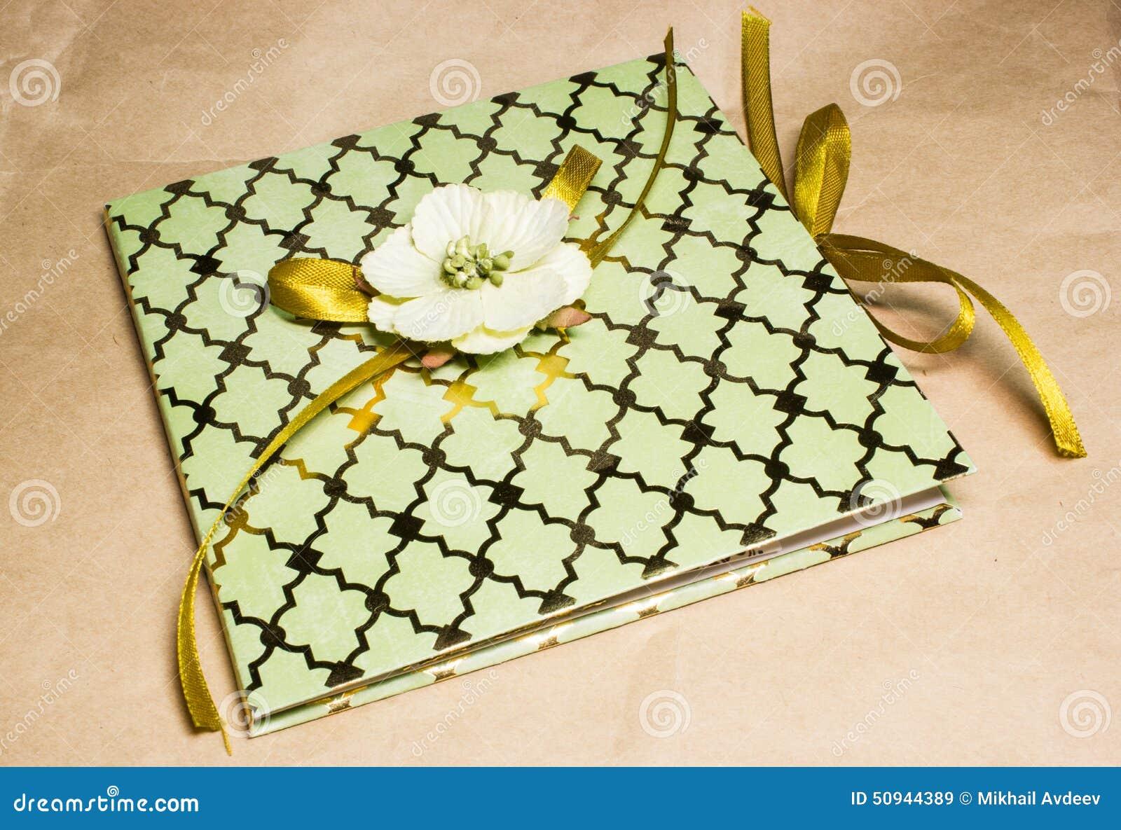 Винтажная карточка приглашения для wedding или дня рождения