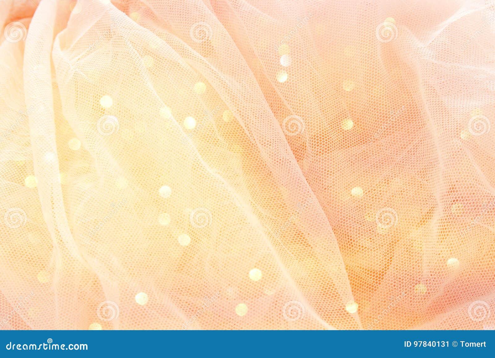 Винтажное платье Тюль розовое шифоновое на деревянной белой таблице Свадьба и girl& x27; концепция партии s