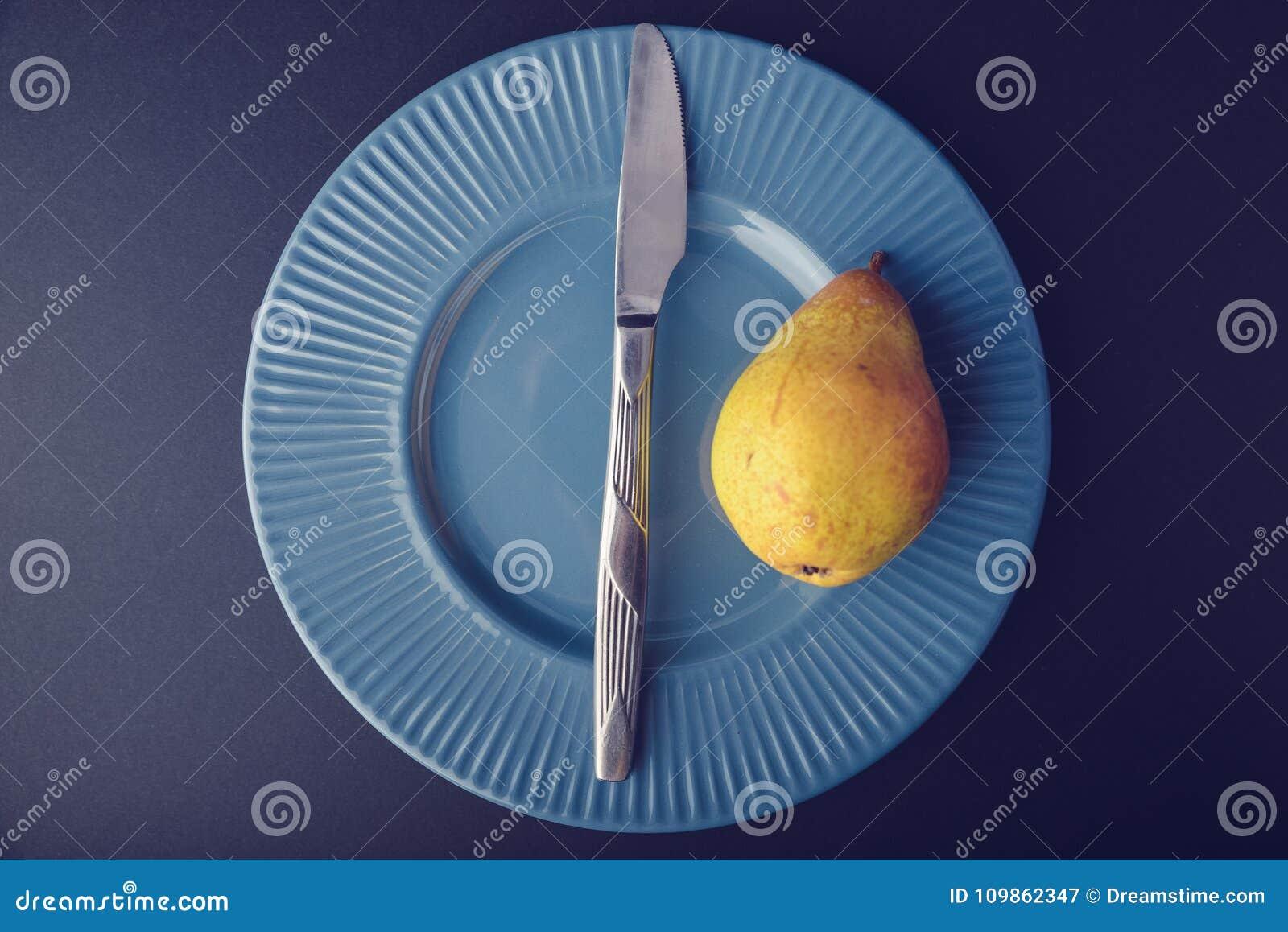 Винтажное украшение плакировкой - желтая груша