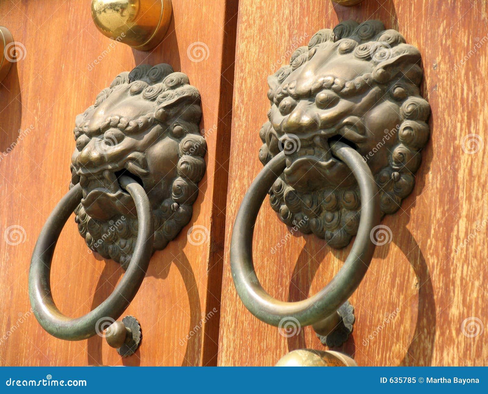 Download висок ручки двери jing стоковое изображение. изображение насчитывающей агенства - 635785