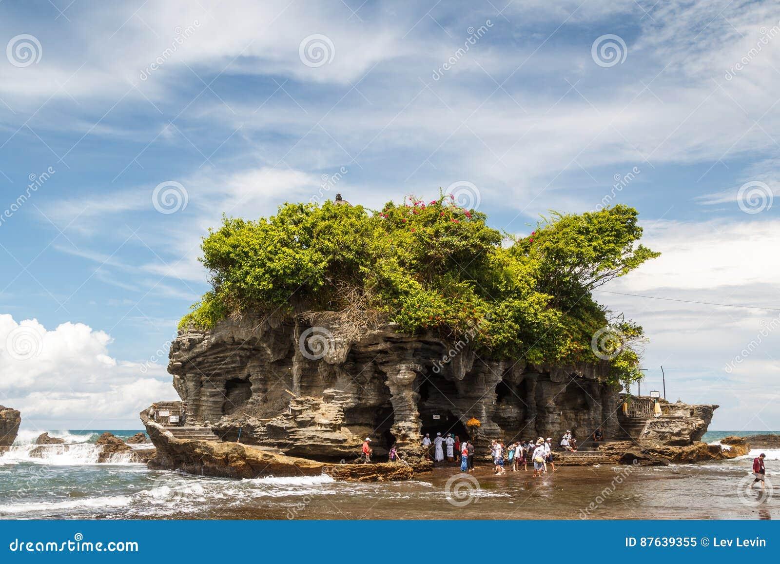 Висок серии Pura Tanah на острове Бали