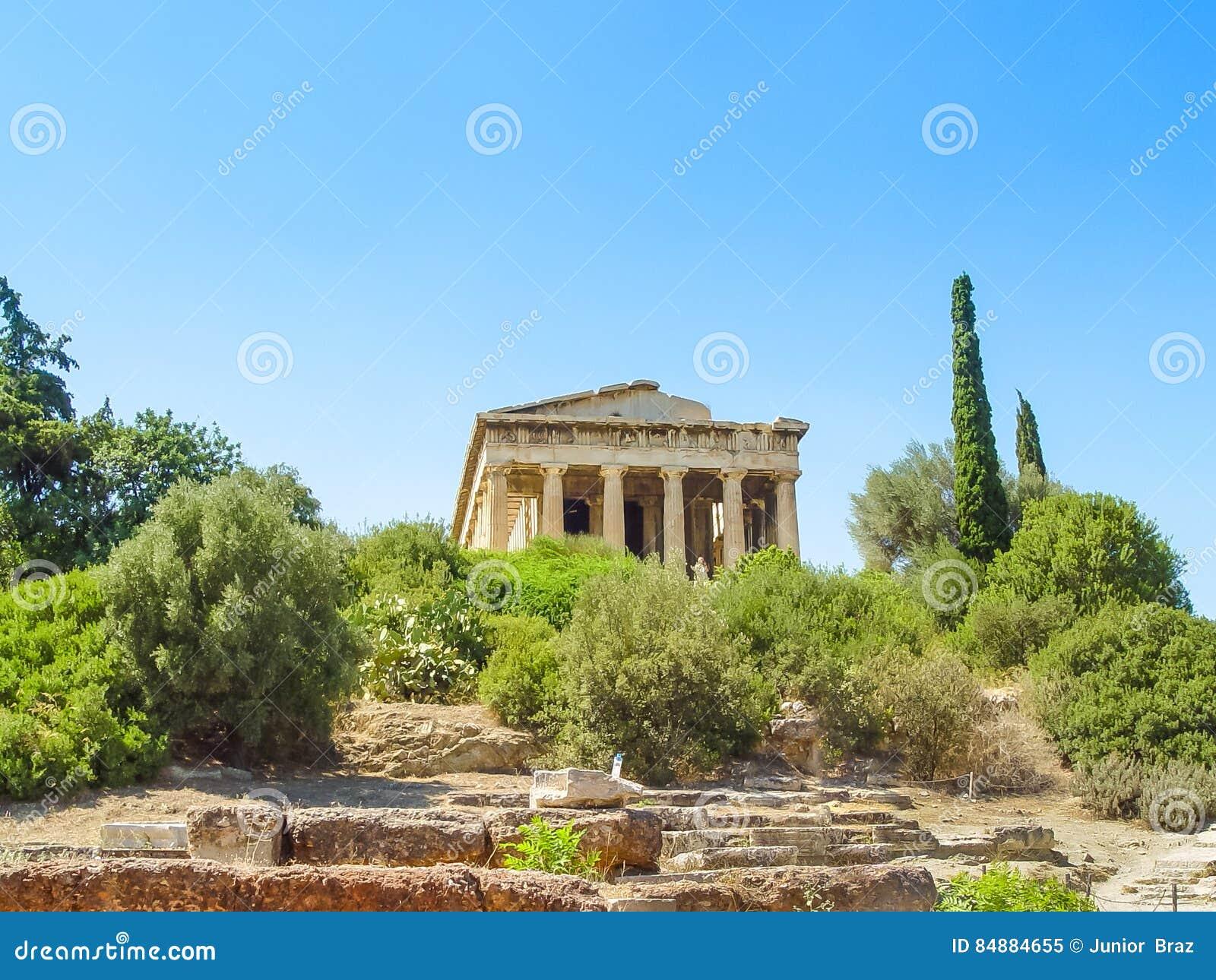 Висок Hephaistos около акрополя в Афинах