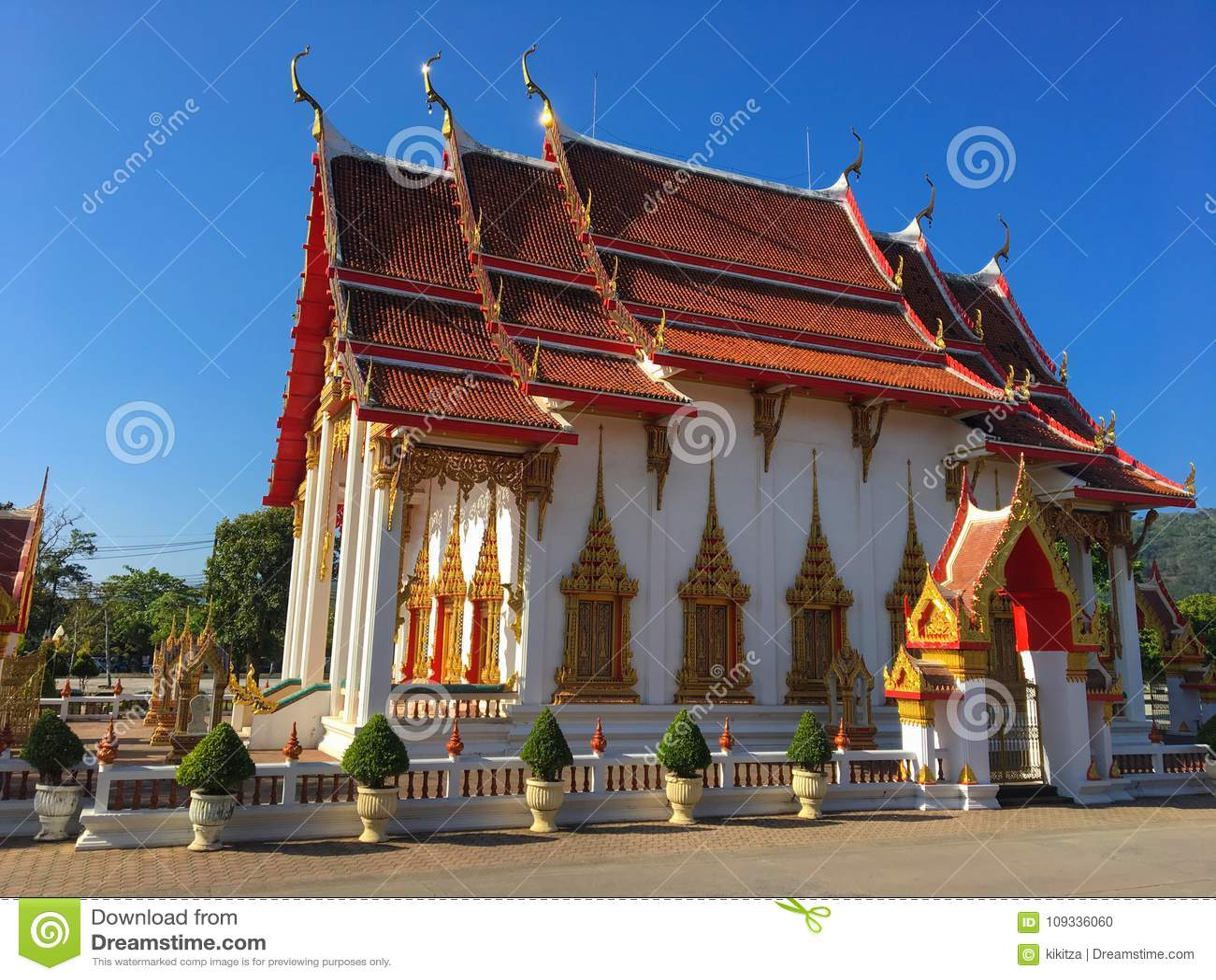 Висок Wat Chalong, Пхукет