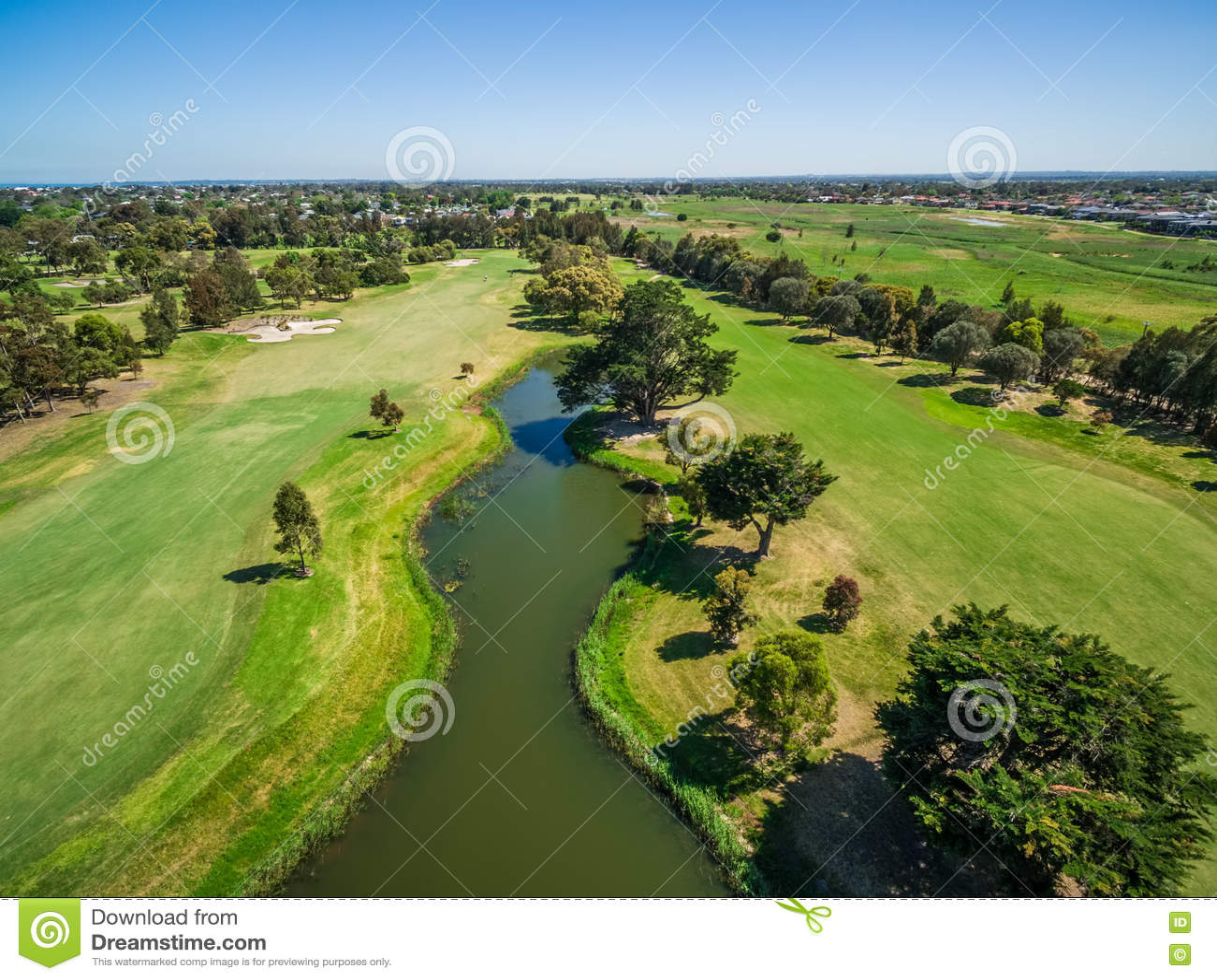 Вид с воздуха гольф-клуба реки Patterson, Мельбурна, Австралии
