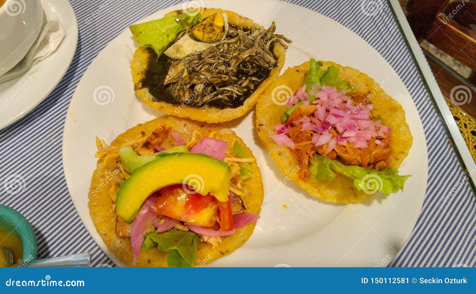 Вкусная мексиканская кухня в Юкатан, Мерида