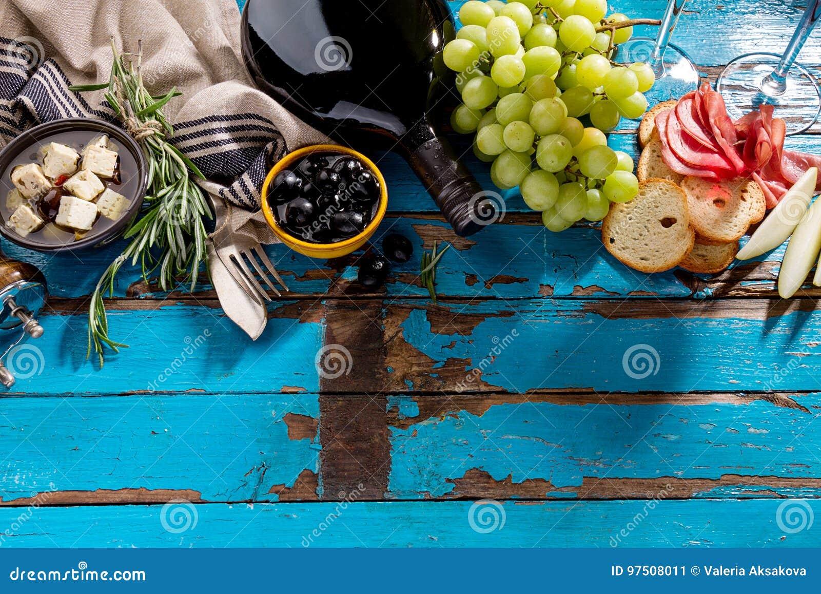 Вкусное аппетитное итальянское среднеземноморское положение квартиры пищевых ингредиентов