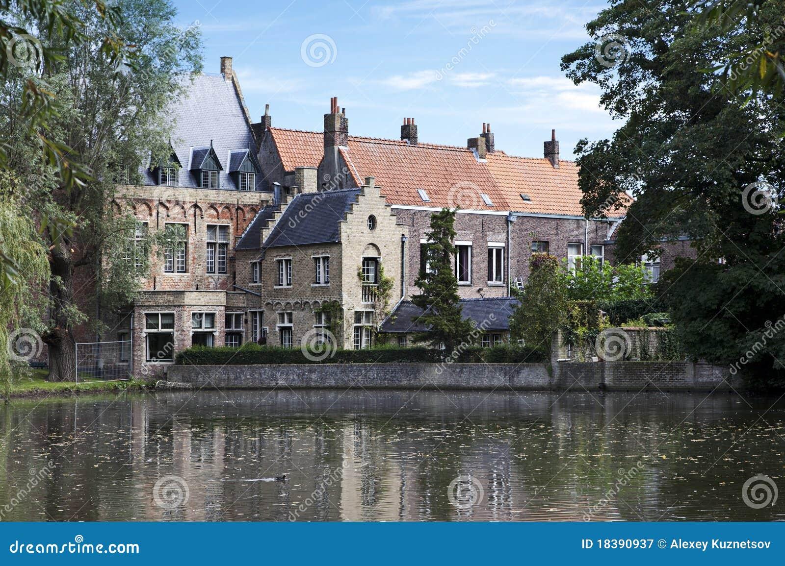 влюбленность озера Бельгии bruges