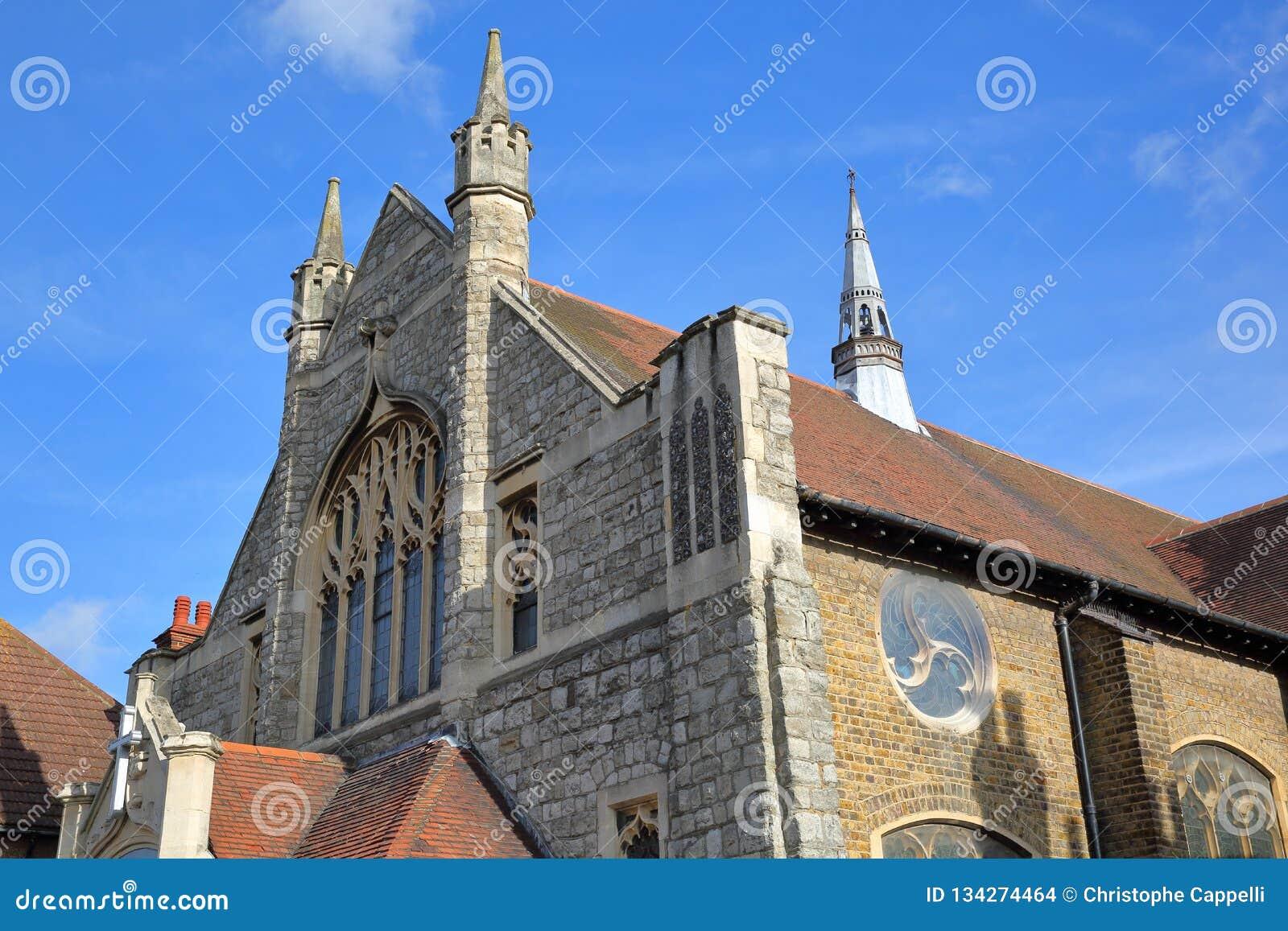 Внешний фасад церков Leigh Висли методист, расположенный на дороге вяза в Leigh на море