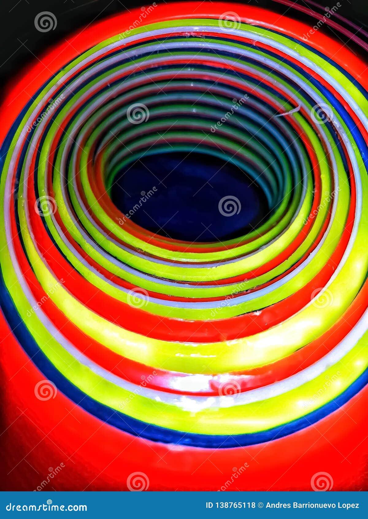Внутренний взгляд стога очень красочных sporty конусов