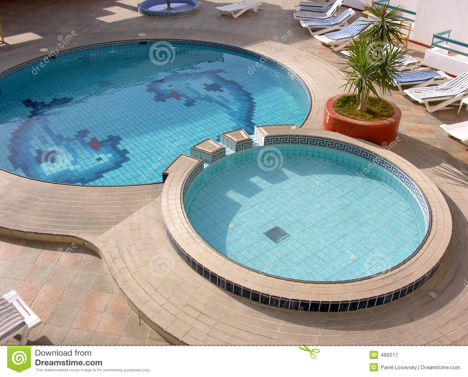 вода бассеина гостиницы