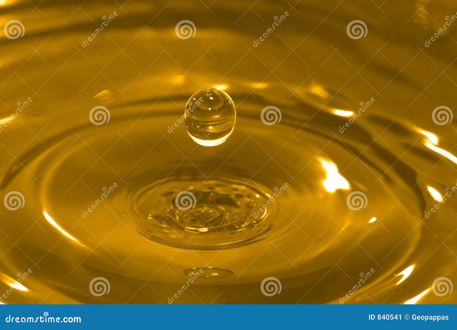 вода золота падения