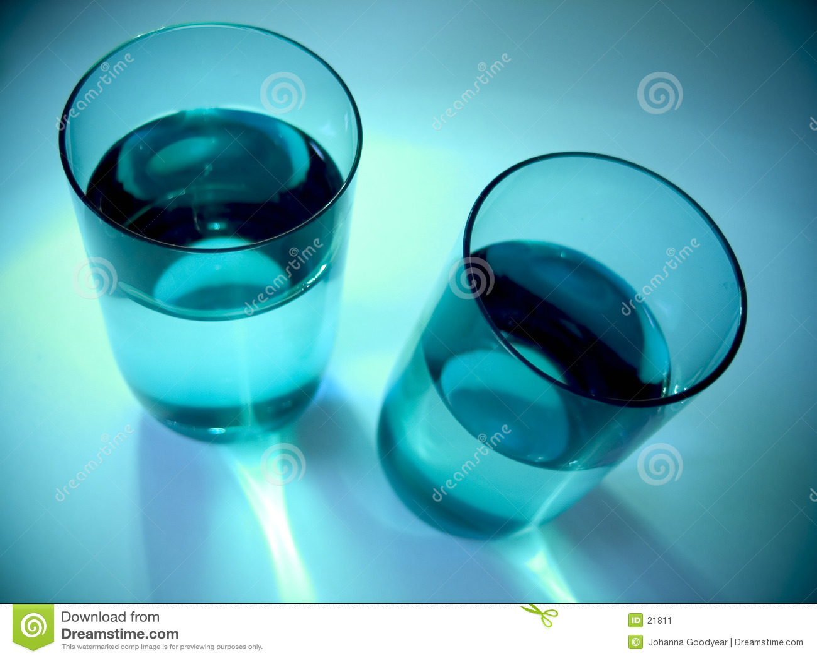 вода стекел