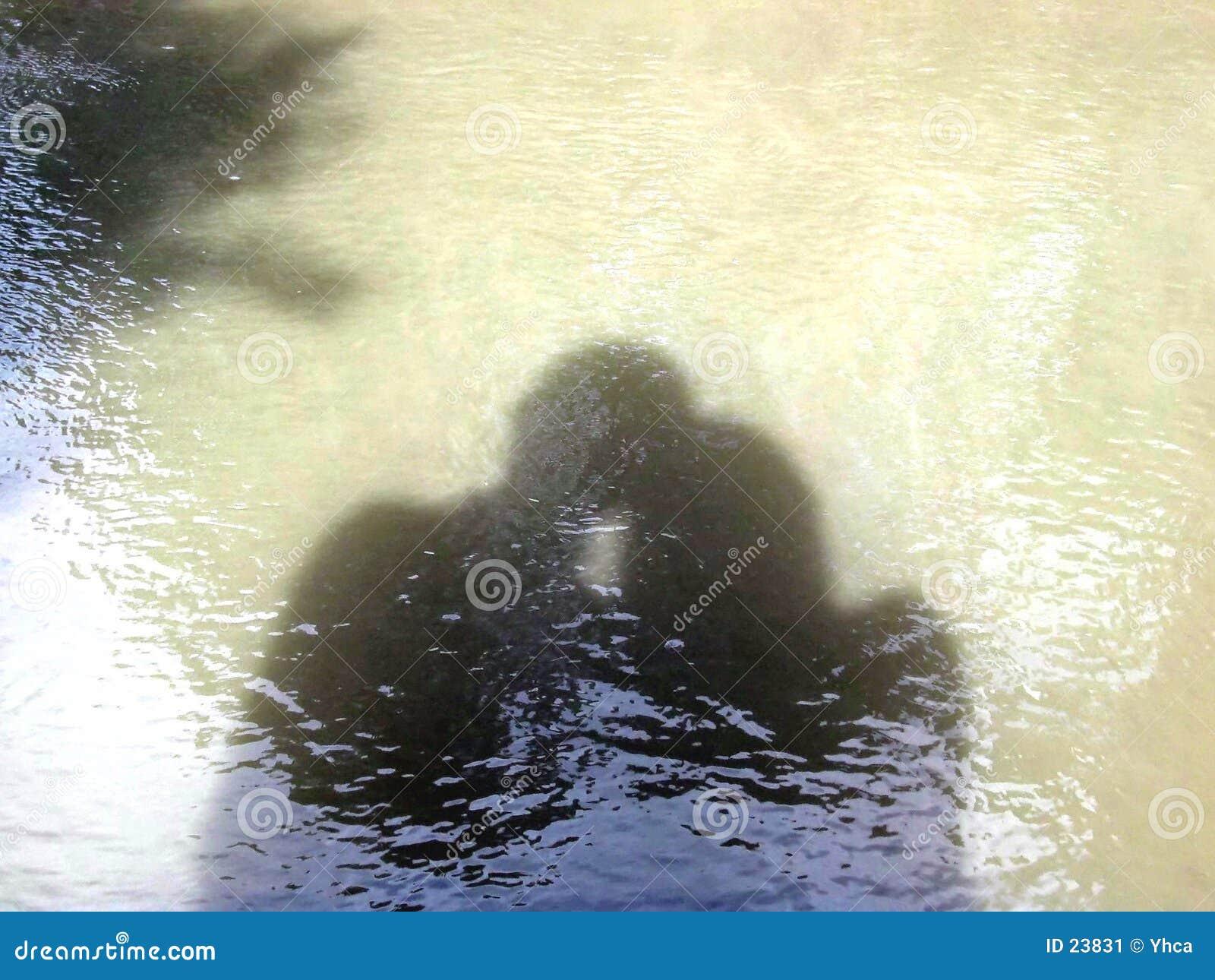 вода тени пар