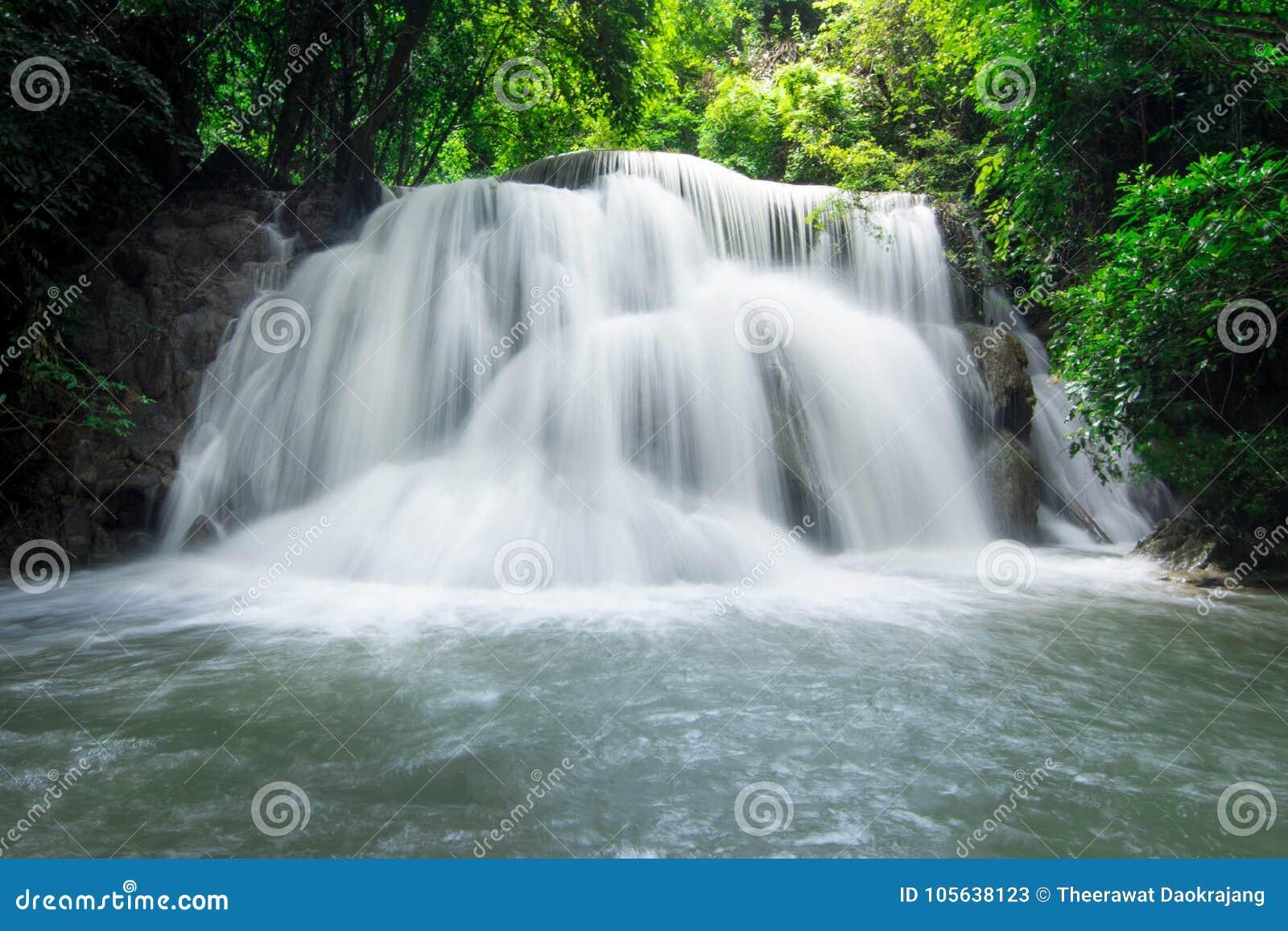 водопад mae khamin huai