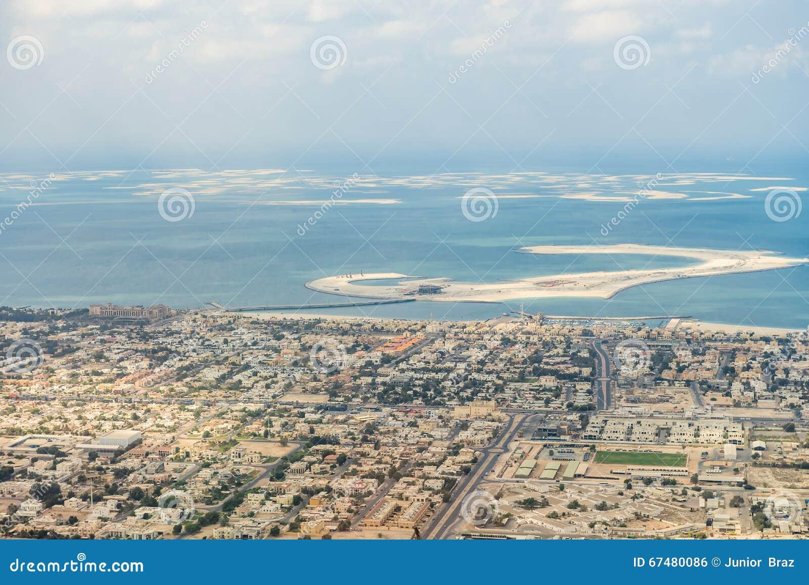 воздушные арабские разбивочные эмираты Дубай как взгляд плантации ладони взглядов рекреационный соединенный