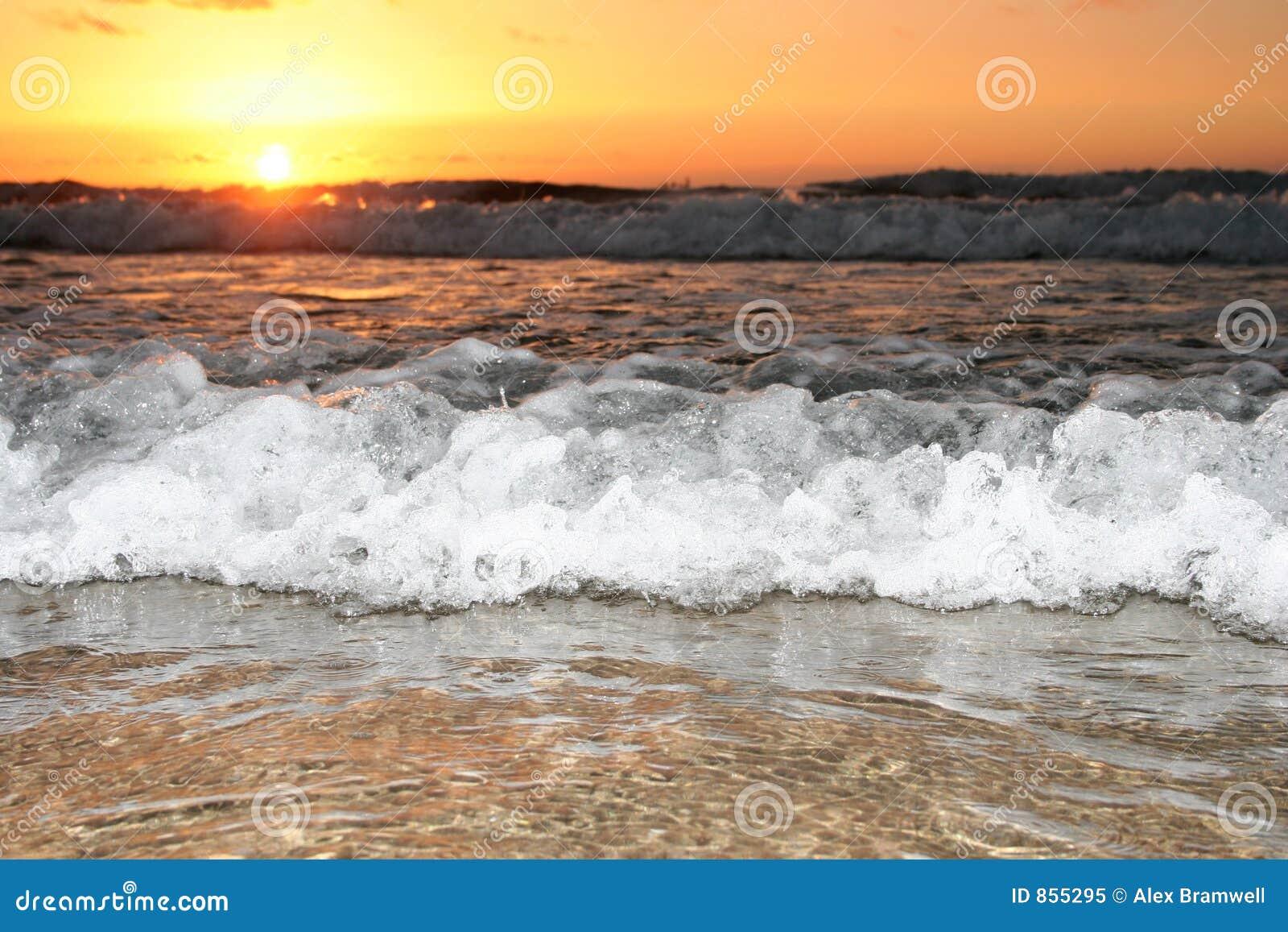 волна захода солнца