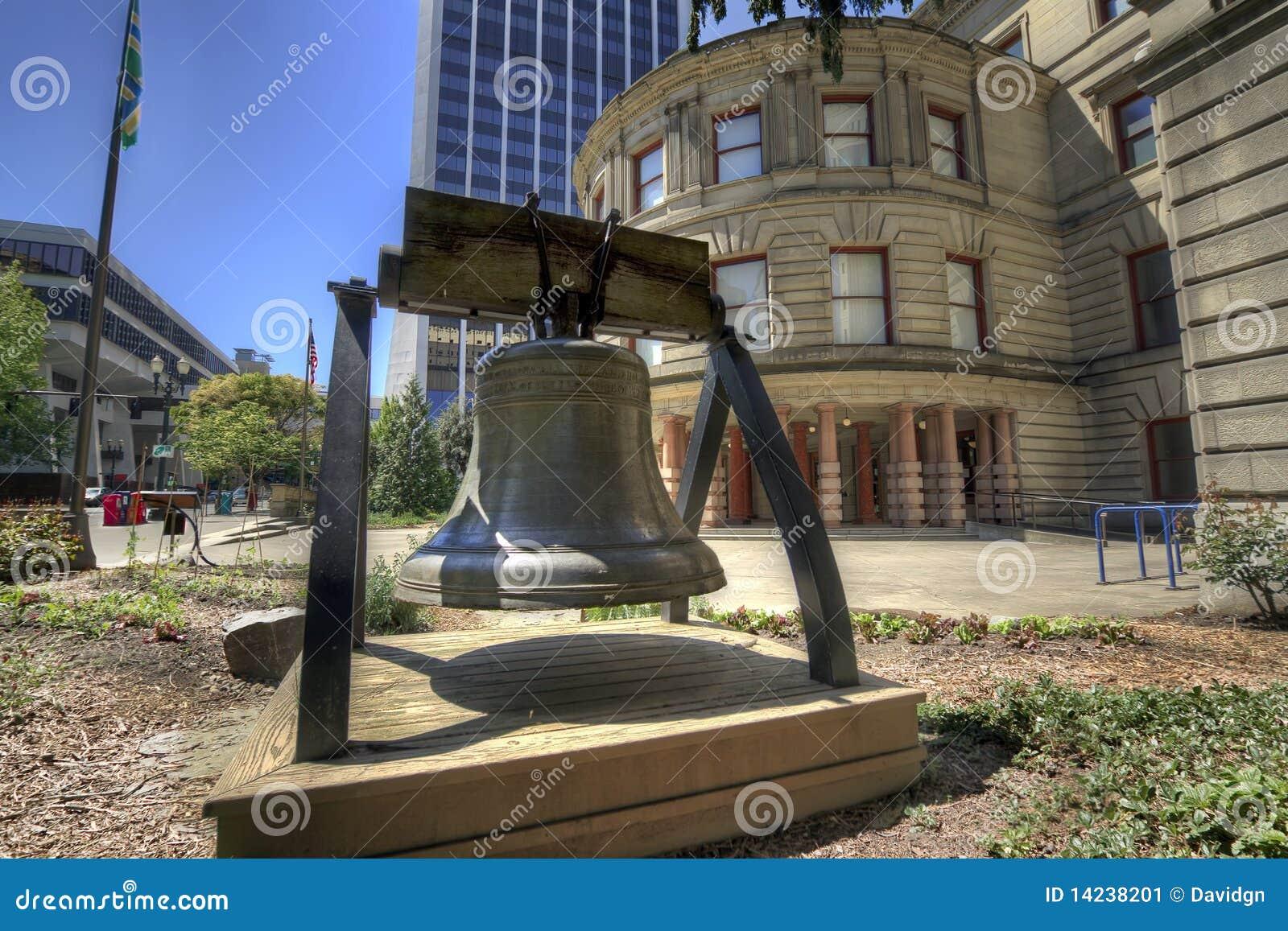 вольность здание муниципалитет колокола