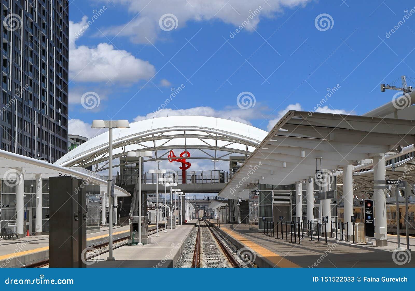 Восстановленная станция в городском Денвер, Колорадо соединения