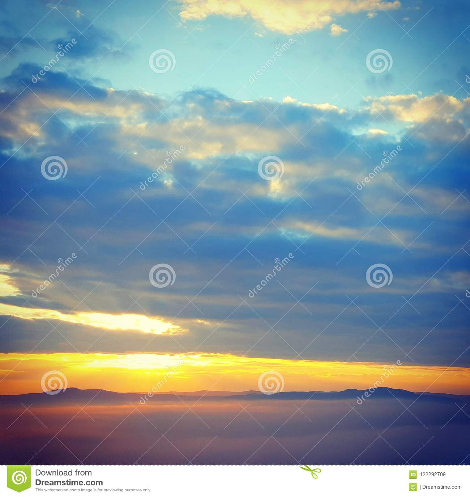 Восход солнца от hilll